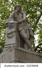 Statue of William Shakespeare at Leichester square