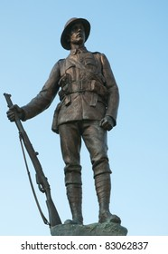 Statue of a WWI soldier in Winchester