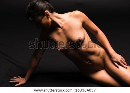 Statuesque naked brunette