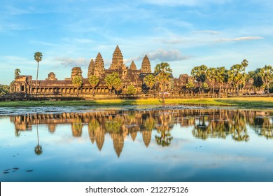 Status of Angkor Wat in sunset the golden shine, the best time in the evening at Siem Reap, Cambodia