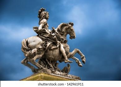 Status of Loius the XVI at versaillies France