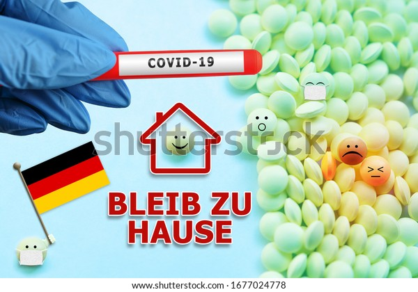 Bleiben Sie zu Hause - Quarantäne und Isolation. Deutsche Flagge und süße Emoji. Covid-19 Coronavirus-Test auf Virusinfektion bei einer Hand in einem blauen Handschuh. Treatment and Quarantine 2019-nCoV.