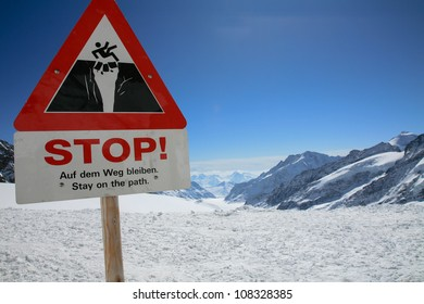 Stay on the path, stop sign, Jungfrau