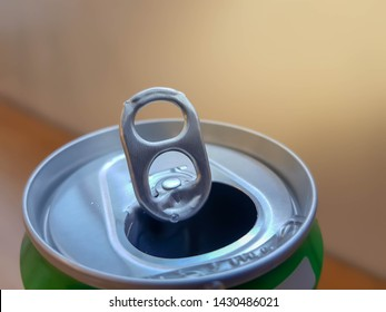 stay-tab opening pull tab is metal, aluminum, and cans soft drinks can be used for many different purposes and Can be used in many different ways