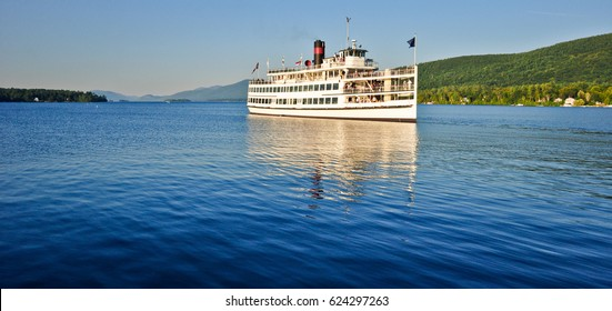 steamboat on the lake george