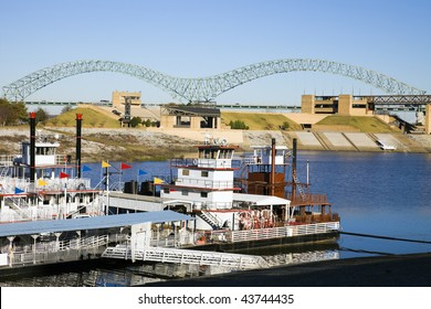 Steamboats on Mississipi - Memphis, Tennessee. The river is the border between Tennessee and Arkansas.