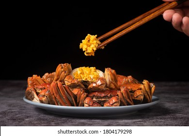 steamed chinese mitten crab, shanghai hairy crab close up on plate