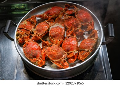 Steamed Crab with Aluminium Steamer.