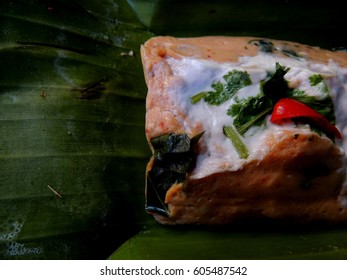 Steamed fish with curry paste