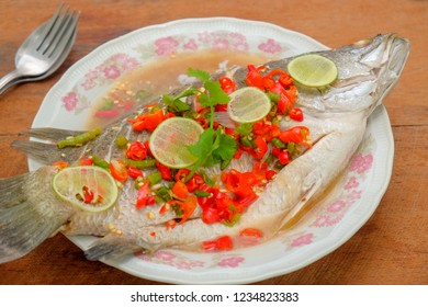 Steamed fish with lemon juice