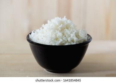 Steamed rice, jasmine rice Thailand genuine rice varieties.