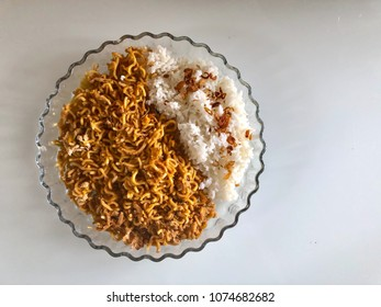 Steamed rice with noodle