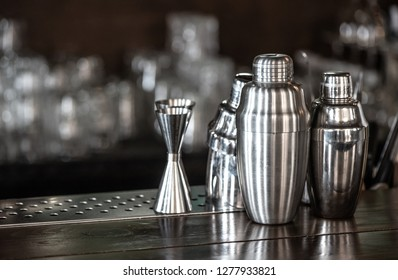 Steel bar shakers and jigger