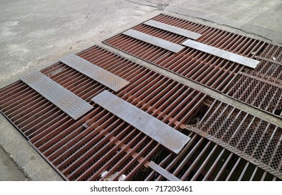 Steel bars and sheets Make a table with frequent rust, create a large drain hose to drain large amounts of water and prevent flooding