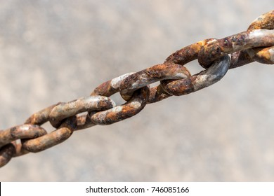 Steel chain, Rusty chains.