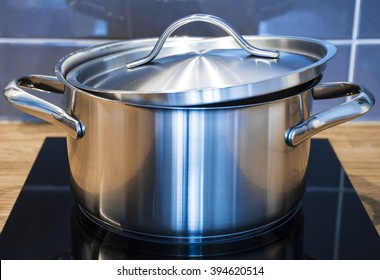 Steel pan with lid