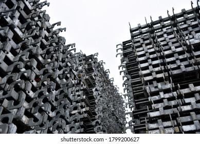 鋼製足場板: 足場材置場