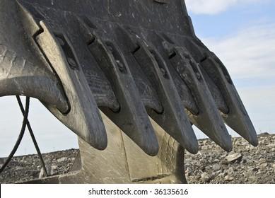 Steel teeth