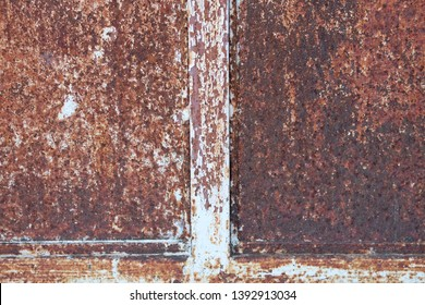 Steel walls that are not taken care of Until the surface is decayed, decaying over time as well as the life of the person who has to deteriorate over time as well. In other words, it also creates art