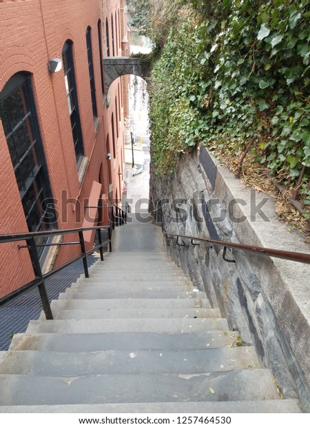 steep-steps-georgetown-washington-dc-600