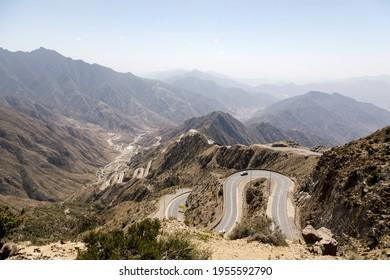 Steep, winding road to the high plateau of Abha in the southeast of Saudi Arabia