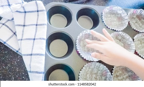 1000 Cupcake Liner Stock Images Photos Vectors