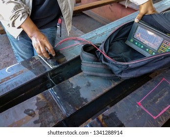 Step to Non-Destructive Testing(NDT) of welding with process Ultrasonic testing (UT).