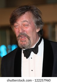 Stephen Fry arriving for The hobbit Premiere, Odeon Leicester Square, London. 12/12/2012 Picture by: Alexandra Glen