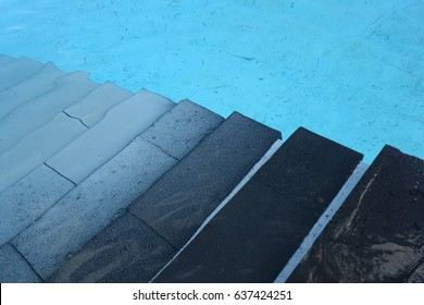 Steps into the pool
