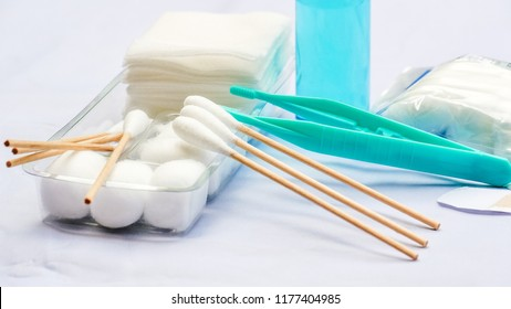 Sterile dressing set for first aid kit at home.