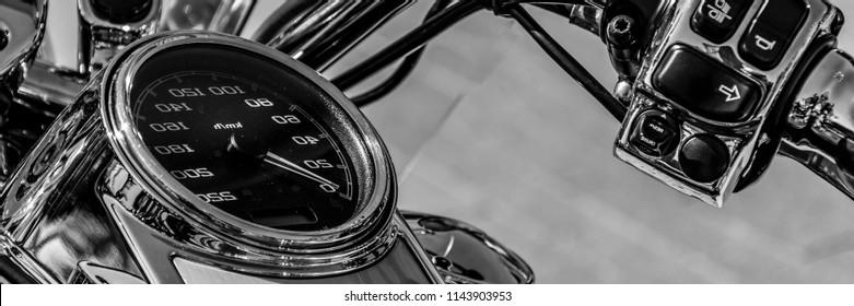 stering wheel on the custom motorbike