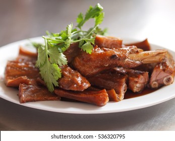 Stewed Goose Wings in Brown Gravy Sauce, Chinese - Thai Food