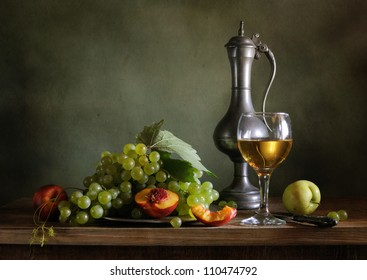 Still life with green grapes