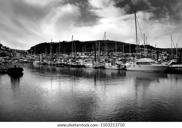stillness in the harbour