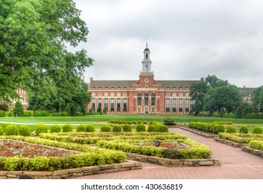 STILLWATER, OK/USA - MAY 20, 2016: Edmon Low Library on the campus of Oklahoma State University.
