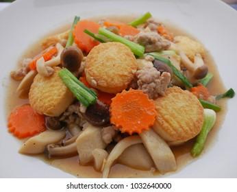 Stir fried minceed pork with egg tufu and mixed mushroom