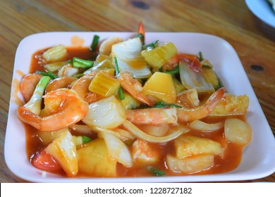 Stir fried seafood mixed (sweet and sour), thai food