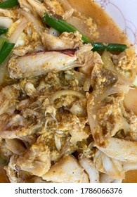 Stir-Fried Crab Meat with Curry Powder and Eggs