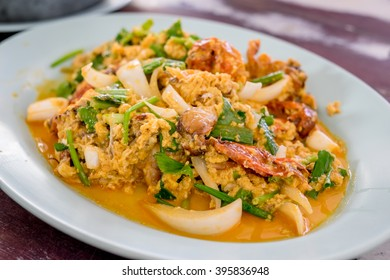 Stir-fried Soft-shelled Crab in Curry Powder in blue plate