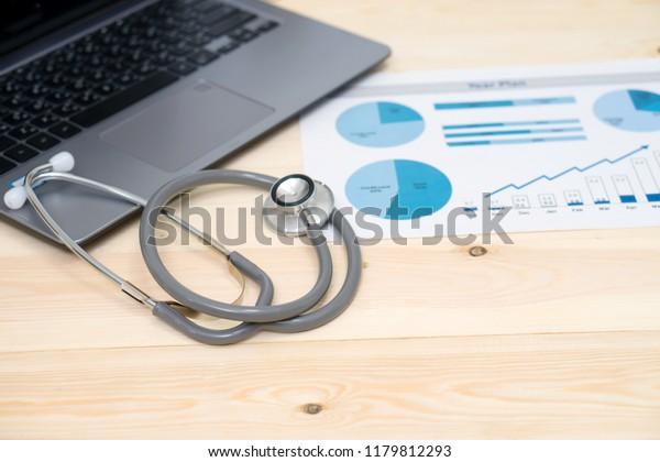 Finanzkonto für Krankenhauskrankenhäuser am Aktienmarkt - Bericht über Großdaten