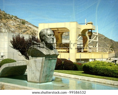 Aged and worn vintage photo of Franklin Roosevelt monument at Grand Coulee Dam Washington State