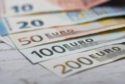 10, 20, 50, 100 and 200 euro banknotes