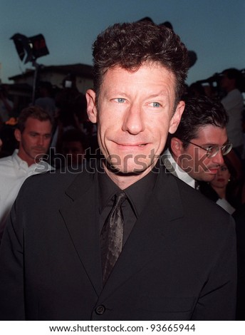 "04AUG97:  Actor/singer LYLE LOVETT at the premiere in Los Angeles of his ex-wife Julia Roberts' new movie, ""Conspiracy Theory."""
