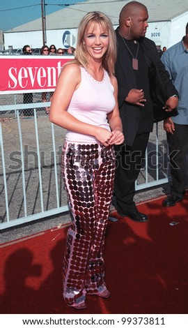 "01AUG99: Pop star BRITNEY SPEARS at the 1999 Teen Choice Awards, in Santa Monica, where she won for single of the year for ""Baby One More Time"".  Paul Smith / Featureflash"
