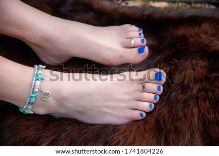 Boho Barefoot foot model with ankle bracelet and toe rings