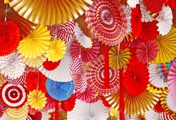 3D paper circles origami different sizes, red, yellow, blue, orange, white, green.