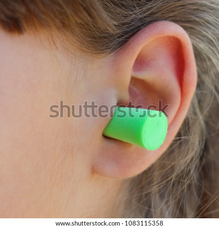 Ear plugs to protect against the noise.