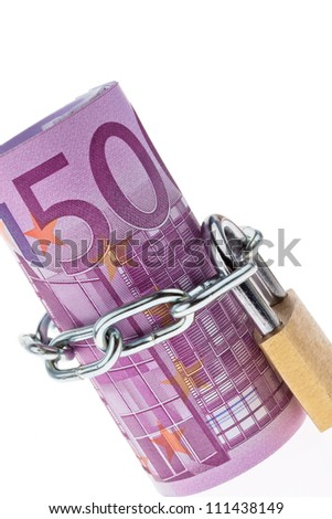 500 euro bill concluded with a chain