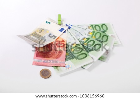 416 Euros in banknotes and coin - the regular benefit in 2018 for single adult man or woman who gets unemployment benefit II  (Hartz IV) in Germany #1036156960