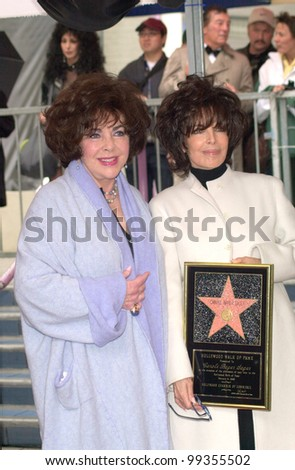 14FEB2000: Actress ELIZABETH TAYLOR (left) with songwriter CAROLE BAYER SAGER at Hollywood Walk of Fame star ceremony for Bayer Sager.  Paul Smith / Featureflash - stock photo